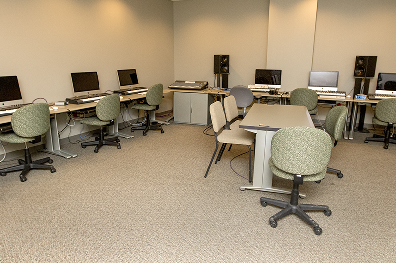 computer lab inside studio 9